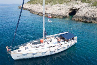 Yachtica Charter Bavaria 46 Cruiser - jacht na kotwicy